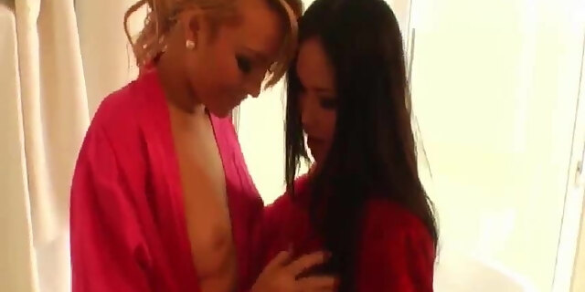 busty milf,fucking,squirt,
