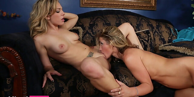 amateur,innocent,squirt,webcam,