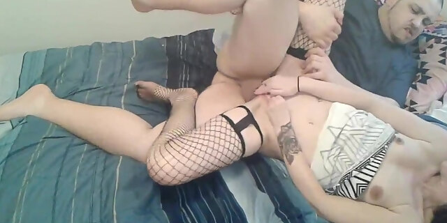 amateur,american,legs,masturbating,webcam,
